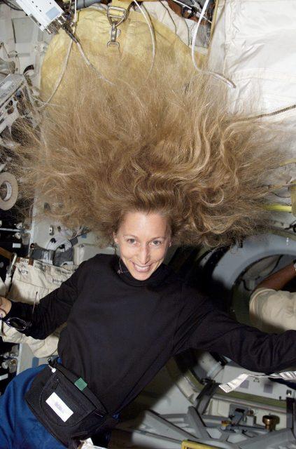 STS098E5020 Marsha Ivins
